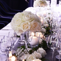 centre de table roses blanches